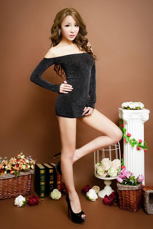 セクシー下着の通販商品:ラメ入り・オフショルダー・タイトドレス・シルバー・イメージ写真1