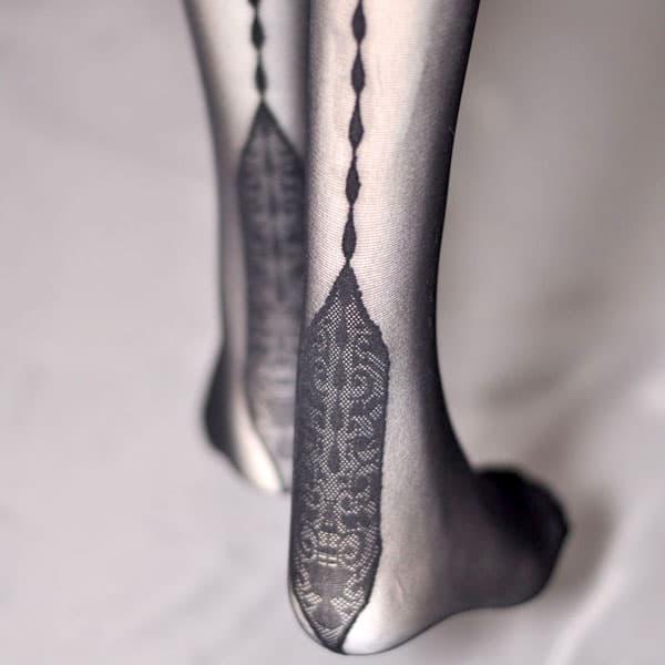 セクシー下着の通販商品:薄手20デニール・チェーンデザインバックシーム・ガーターストッキング・黒・イメージ写真3