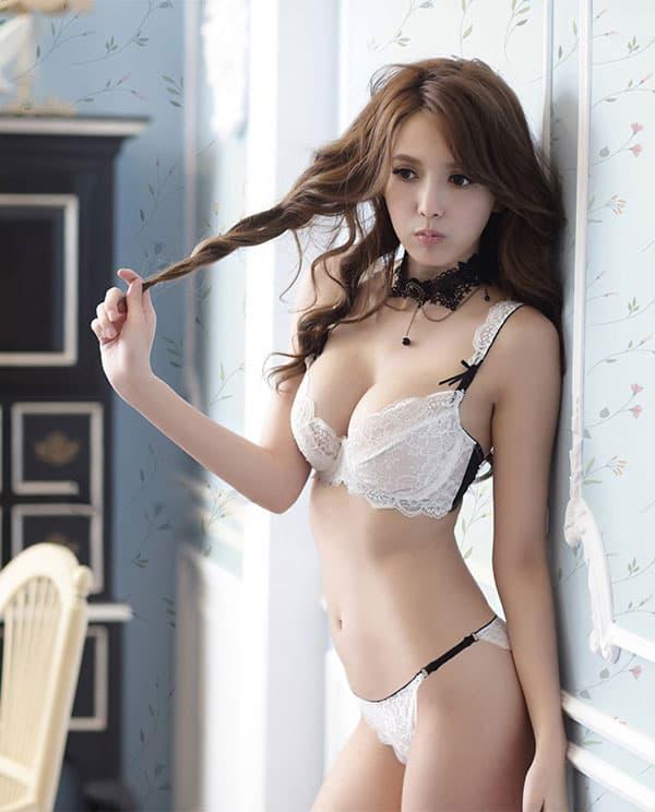セクシー下着の通販商品:エレガントなセミシースルー・ノンパッド・ワイヤー入りブラセット・白・日本サイズC70/D70/C75/D75・イメージ写真3