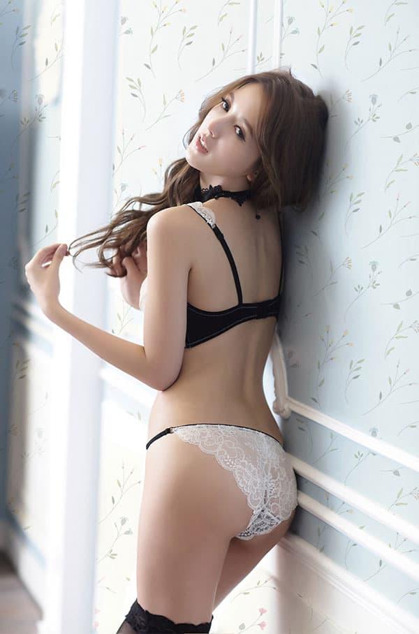 セクシー下着の通販商品:エレガントなセミシースルー・ノンパッド・ワイヤー入りブラセット・白・日本サイズC70/D70/C75/D75・イメージ写真4
