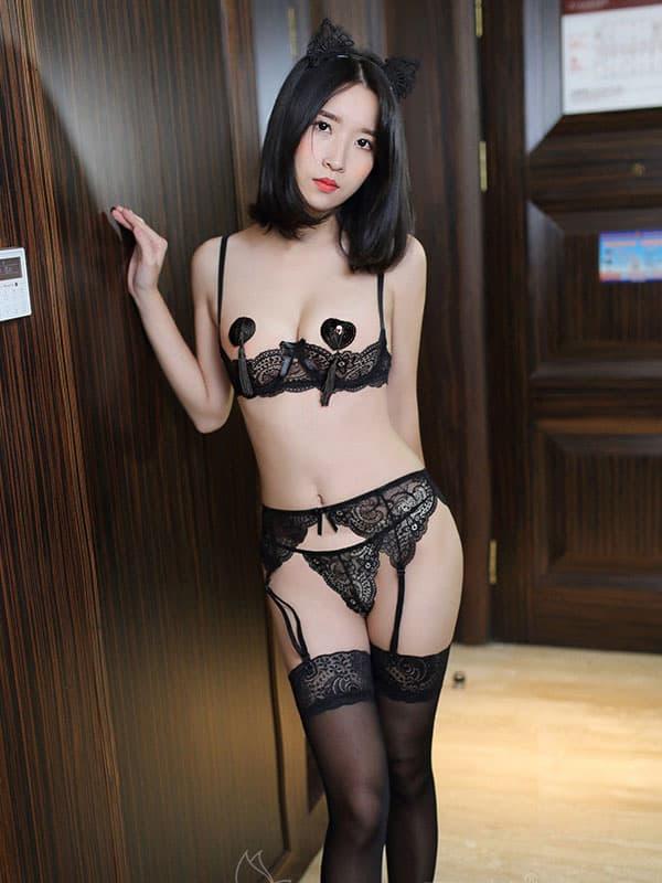 セクシー下着の通販商品:1/4カップ・ワイヤー入りシェルフブラ・3点セット・黒・イメージ写真3