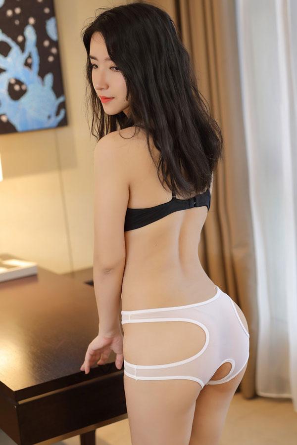セクシー下着の通販商品:トリプル・オープンショーツ・白・イメージ写真1