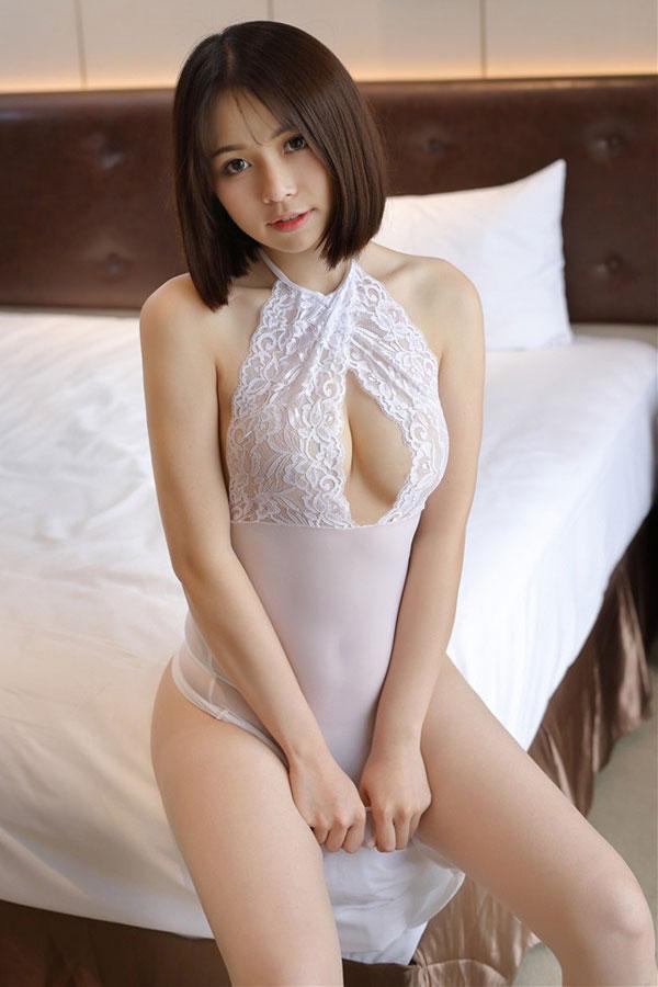 セクシー下着の通販商品:ホルターネック・タイトドレス・白・イメージ写真1