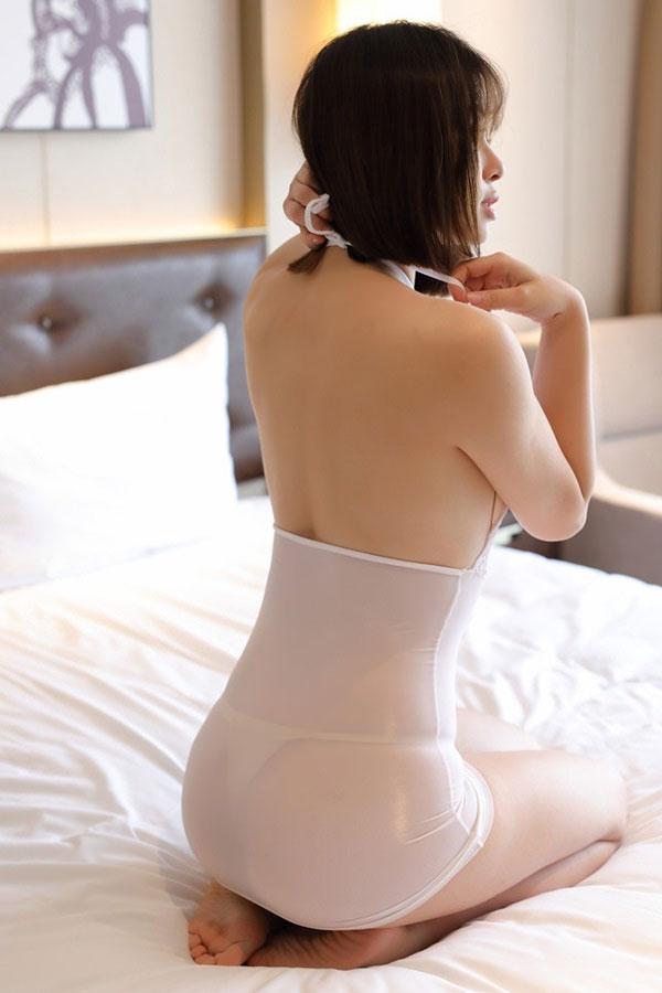 セクシー下着の通販商品:ホルターネック・タイトドレス・白・イメージ写真5