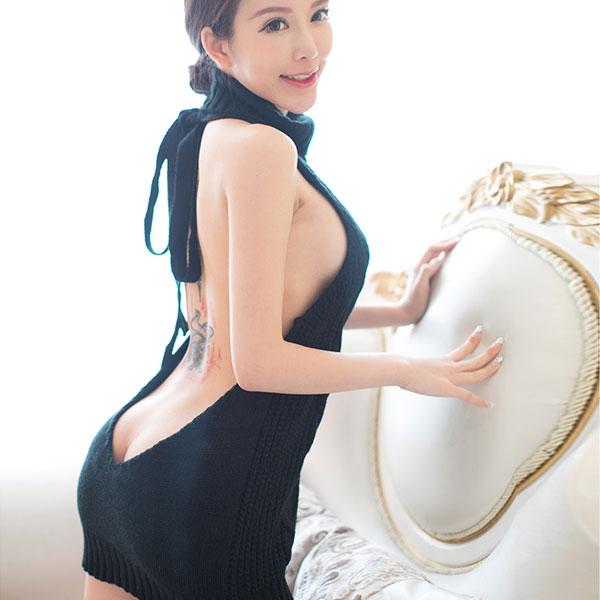 セクシー下着の通販商品:悩殺!背中が大きく開いたセーター・黒・イメージ写真4