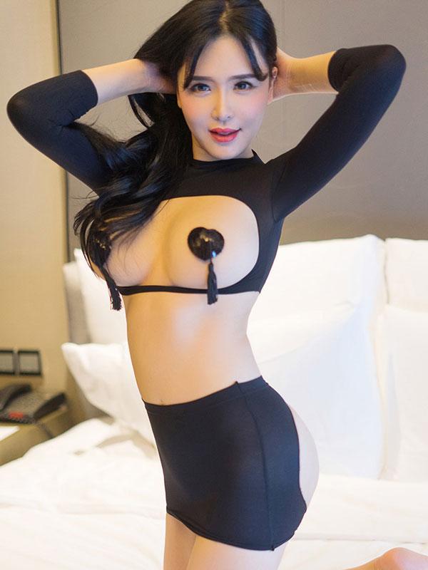 セクシー下着の通販商品:バストもお尻も!フリーダム・ツーピースセット・イメージ写真2