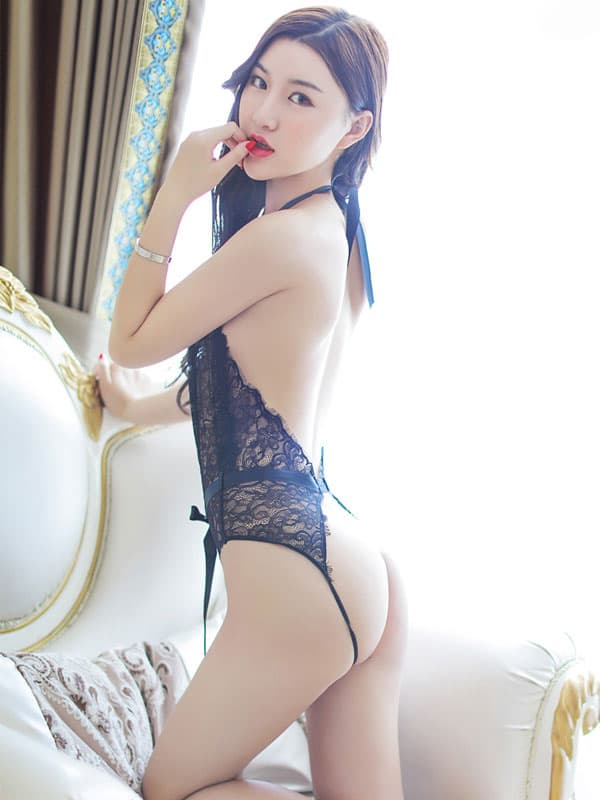 セクシー下着の通販商品:お尻がでちゃう!びっくりシースルー・テディ・黒・イメージ写真4