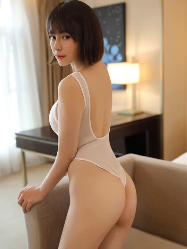 セクシー下着の通販商品:あいちゃう!はみ乳オープンハイレグ・レオタード・白・イメージ写真3